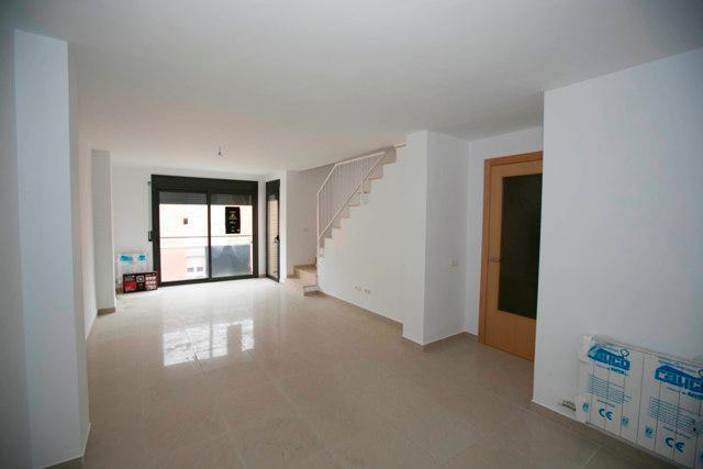Piso en venta en La Colònia, Calaf, Barcelona, Calle Josep Torra I Closa, 49.500 €, 2 habitaciones, 1 baño, 58 m2