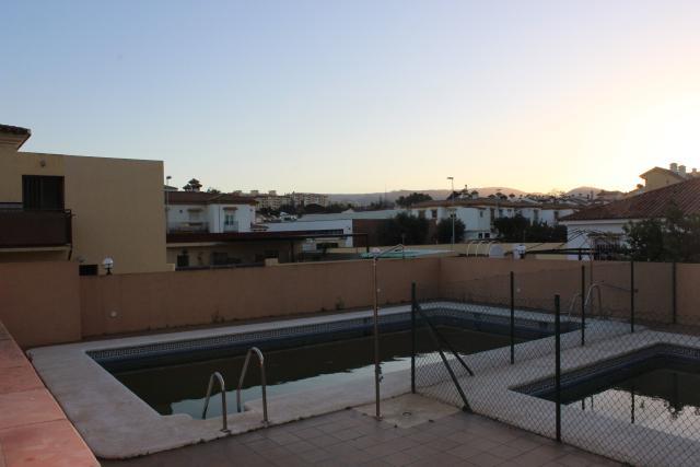 Piso en venta en Piso en Algeciras, Cádiz, 120.000 €, 2 habitaciones, 2 baños, 108 m2