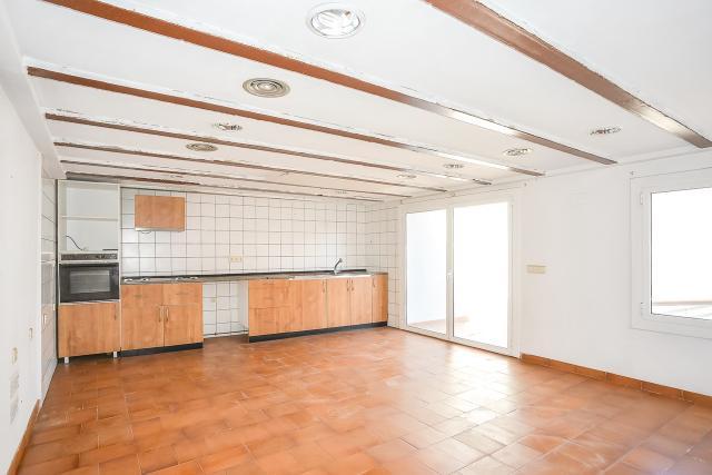 Piso en venta en Piso en Figueres, Girona, 351.000 €, 4 habitaciones, 2 baños, 766 m2
