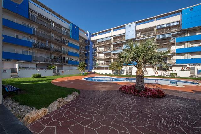Piso en venta en Piso en Roses, Girona, 164.000 €, 85 m2