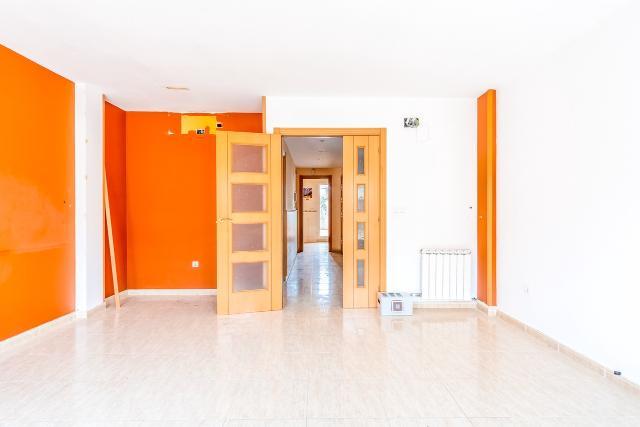 Piso en venta en Piso en Binéfar, Huesca, 173.000 €, 4 habitaciones, 2 baños, 272 m2