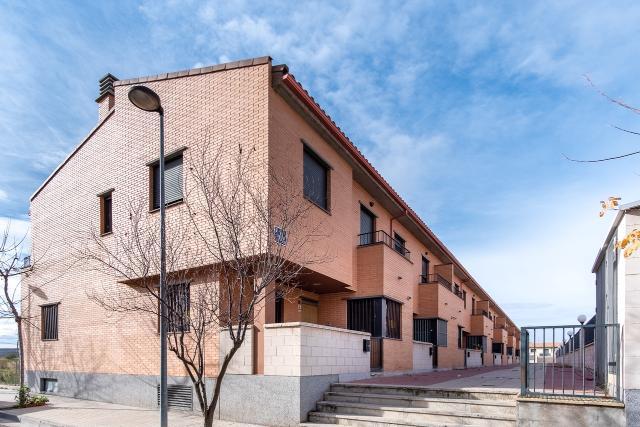 Casa en venta en Casa en Zuera, Zaragoza, 158.700 €, 4 habitaciones, 3 baños, 242 m2, Garaje