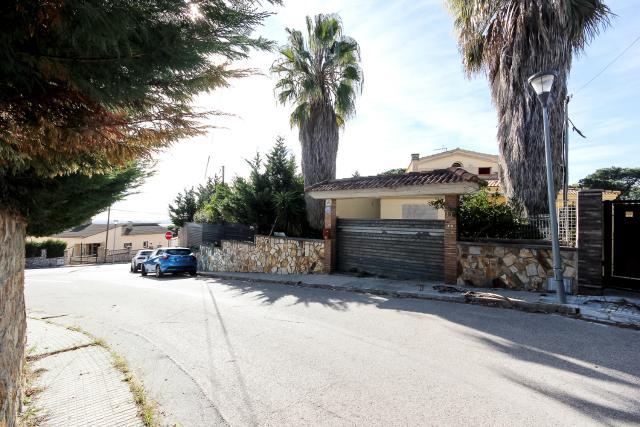 Casa en venta en Mas de Mora, Tordera, Barcelona, Calle Petita Circumval,lació (urbanització Mas Mora), 255.600 €, 4 habitaciones, 3 baños, 297 m2