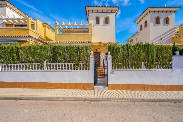 Casa en venta en Orihuela, Alicante, Calle Rosa, 160.000 €, 169 m2