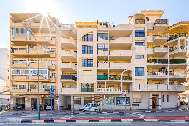 Piso en venta en Calpe/calp, Alicante, Calle Diputacion, 121.300 €, 3 habitaciones, 2 baños, 125 m2