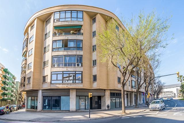Local en venta en Reus, Tarragona, Calle Maria Fortuny, 208.100 €, 223 m2
