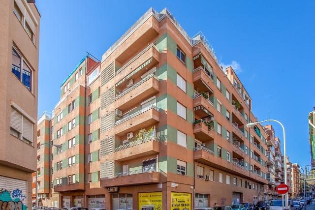 Piso en venta en Palma de Mallorca, Baleares, Calle Femenias, 218.500 €, 3 habitaciones, 1 baño, 117 m2