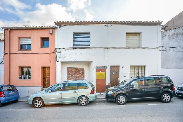 Piso en venta en Palafrugell, Girona, Calle Sagunt, 165.000 €, 3 habitaciones, 1 baño, 180 m2
