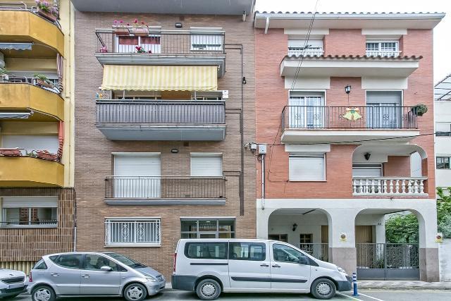 Piso en venta en Poblenou, Pineda de Mar, Barcelona, Calle Josep Maria de Segarra, 159.000 €, 3 habitaciones, 1 baño, 113 m2