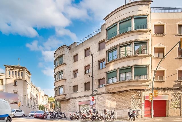 Piso en venta en El Carme, Reus, Tarragona, Calle Riera de Miro, 134.000 €, 4 habitaciones, 1 baño, 119 m2