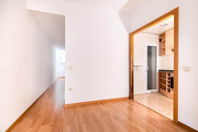 Piso en venta en Piso en Barcelona, Barcelona, 176.100 €, 3 habitaciones, 1 baño, 60 m2
