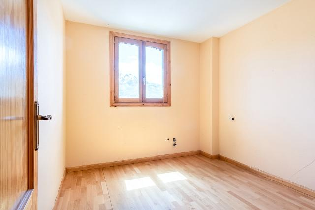 Piso en venta en Piso en Sallent de Gállego, Huesca, 167.500 €, 2 habitaciones, 1 baño, 72 m2, Garaje
