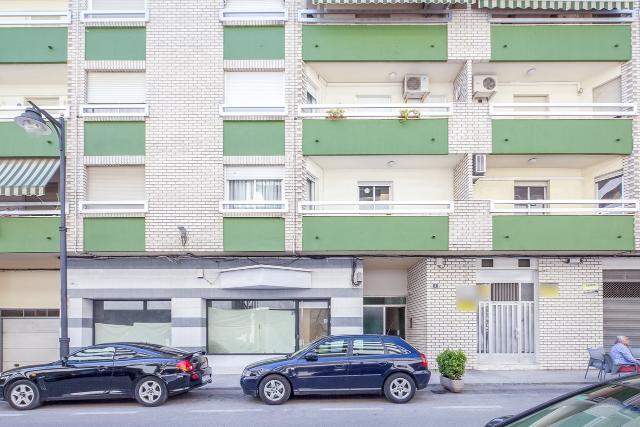 Piso en venta en Ontinyent, Valencia, Calle Lescultor Juli Lleonard Capuz, 81.000 €, 4 habitaciones, 2 baños, 140 m2