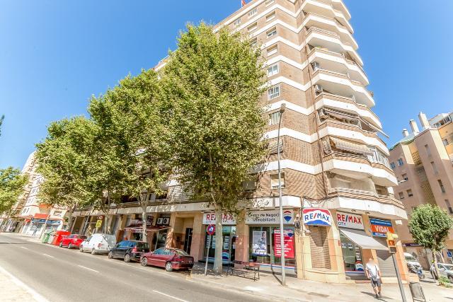 Piso en venta en El Carme, Reus, Tarragona, Avenida San Bernardo Calvo, 116.500 €, 3 habitaciones, 1 baño, 99 m2