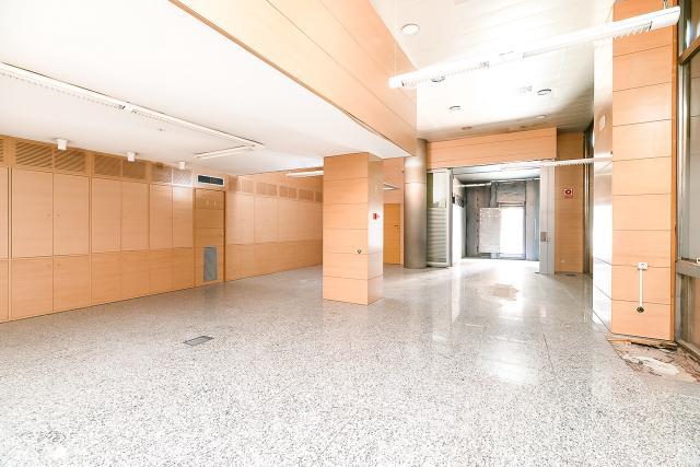 Local en venta en Les Corts, Barcelona, Barcelona, Calle Jacquard, 464.400 €, 276 m2