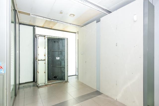 Local en venta en Sant Just Desvern, Barcelona, Calle Salvador Espriu, 306.600 €, 149 m2