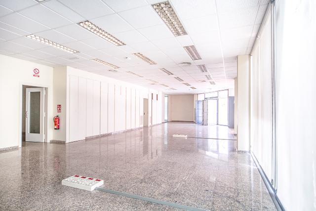 Local en venta en Local en Granollers, Barcelona, 443.200 €, 310 m2