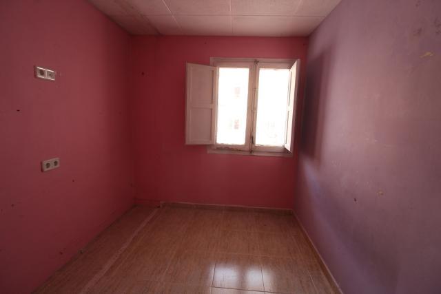 Piso en venta en Piso en Ripollet, Barcelona, 95.000 €, 1 habitación, 1 baño, 67 m2