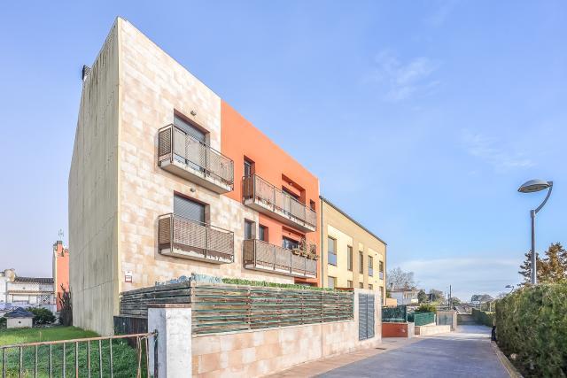 Piso en venta en Can Cavaller, Sils, Girona, Calle Sant Jordi, 139.000 €, 3 habitaciones, 2 baños, 124 m2