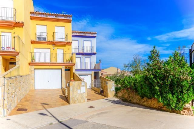 Casa en venta en Fuente de la Salud, Traiguera, Castellón, Avenida Maestrat, 139.500 €, 3 habitaciones, 2 baños, 221 m2