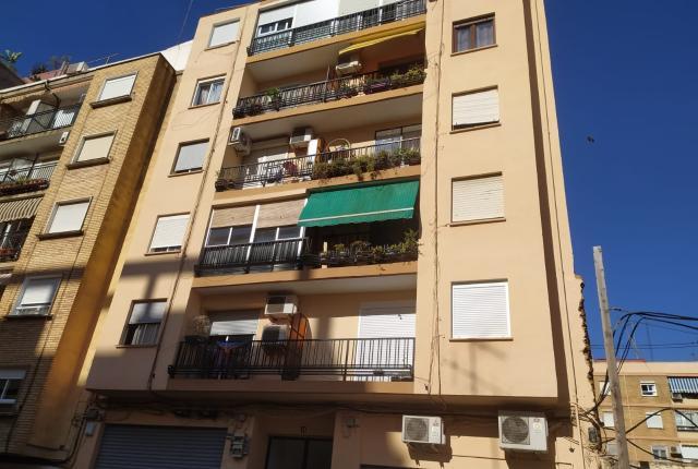 Piso en venta en La Saïdia, Valencia, Valencia, Calle Juan Castello, 71.990 €, 4 habitaciones, 1 baño, 89 m2