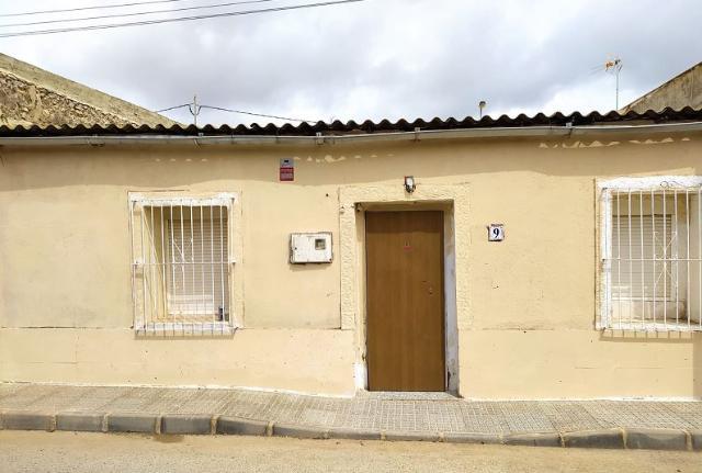 Piso en venta en Cartagena, Murcia, Calle Pozo Chico, 80.200 €, 4 habitaciones, 2 baños, 120 m2