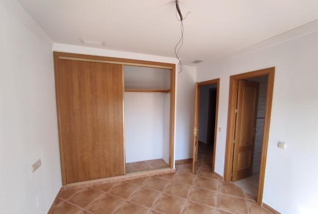 Casa en venta en Casa en Alhaurín de la Torre, Málaga, 193.500 €, 3 habitaciones, 3 baños, 270 m2, Garaje