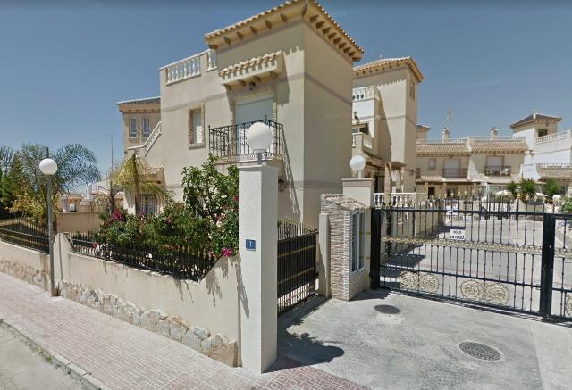 Casa en venta en Orihuela, Alicante, Calle la Garza, 95.000 €, 2 habitaciones, 2 baños, 64 m2
