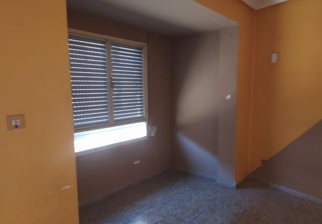 Piso en venta en Piso en Burriana, Castellón, 68.000 €, 3 habitaciones, 2 baños, 111 m2
