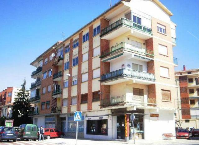 Piso en venta en Oyón/oion, Oyón-oion, Álava, Calle Grupo la Losas, 43.000 €, 3 habitaciones, 1 baño, 87 m2