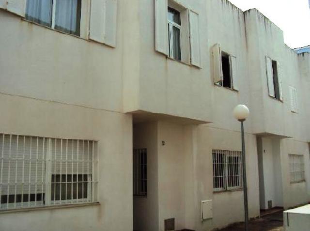 Piso en venta en Piso en Aznalcázar, Sevilla, 89.000 €, 3 habitaciones, 3 baños, 124 m2