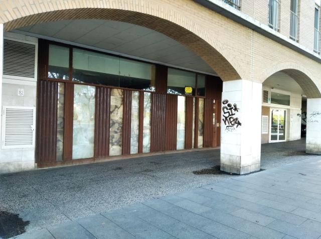 Local en venta en Zaragoza, Zaragoza, Calle Echegaray Y Caballero, 165.000 €, 127 m2