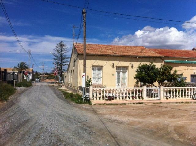 Casa en venta en Casa en Elche/elx, Alicante, 69.000 €, 4 habitaciones, 1 baño, 108 m2