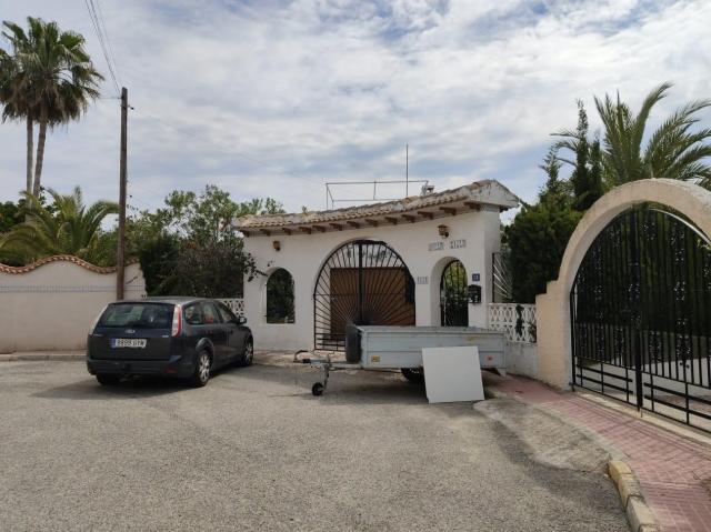 Casa en venta en Ciudad Quesada, Rojales, Alicante, Calle Mimosas, 287.900 €, 5 habitaciones, 2 baños, 150 m2