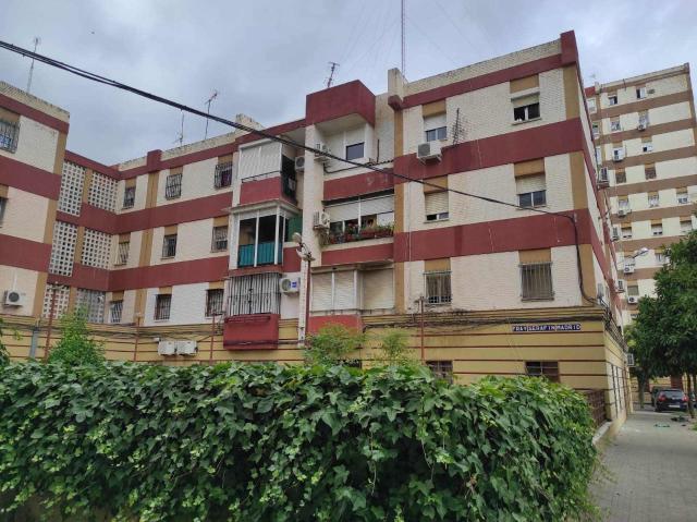 Piso en venta en Distrito Macarena, Sevilla, Sevilla, Calle Fray Serafin Madrid, 79.000 €, 3 habitaciones, 1 baño, 94 m2