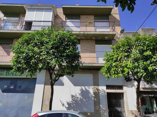 Piso en venta en Distrito Cerro-amate, Sevilla, Sevilla, Calle Parroco Antonio Gomez Villalobos, 85.000 €, 85 m2