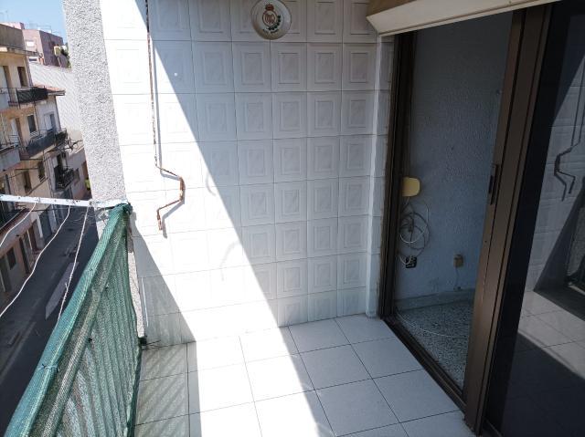 Piso en venta en Piso en Canovelles, Barcelona, 119.400 €, 4 habitaciones, 1 baño, 109 m2