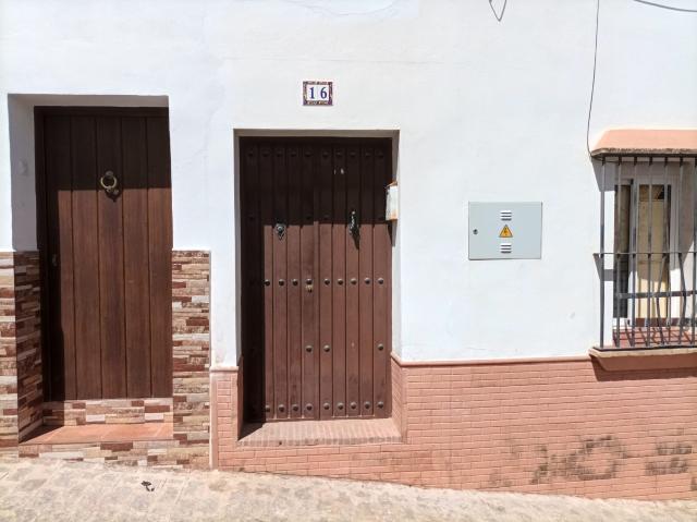 Casa en venta en Casa en la Puebla de los Infante, Sevilla, 67.500 €, 5 habitaciones, 2 baños, 189 m2