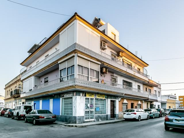 Piso en venta en Las Tres Piedras, Chipiona, Cádiz, Avenida Madrid, 87.400 €, 1 baño, 100 m2