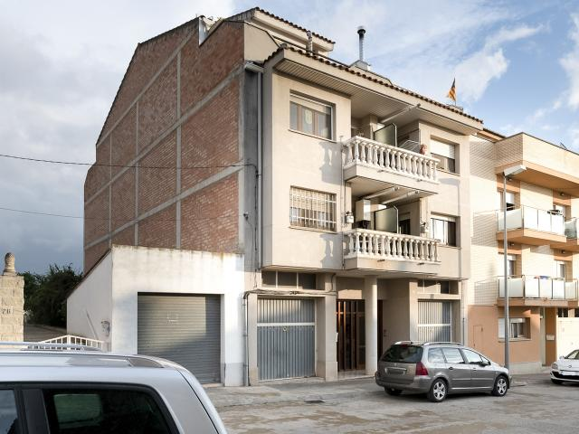 Piso en venta en Piso en Les Borges Blanques, Lleida, 56.000 €, 3 habitaciones, 1 baño, 109 m2
