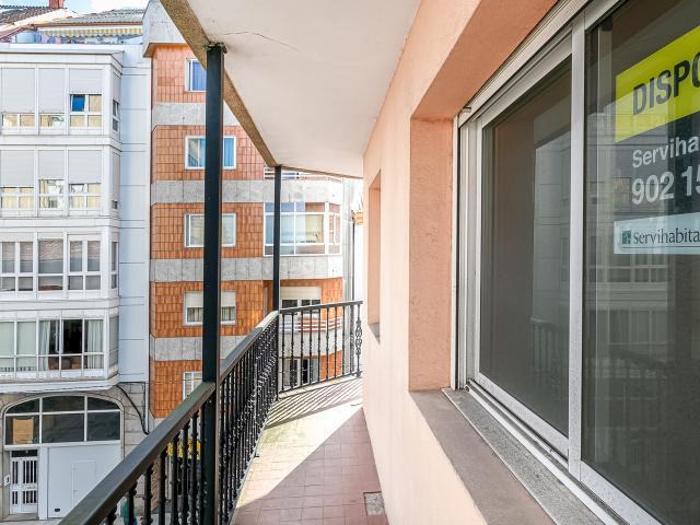 Piso en venta en Piso en Vilagarcía de Arousa, Pontevedra, 69.000 €, 3 habitaciones, 112 m2