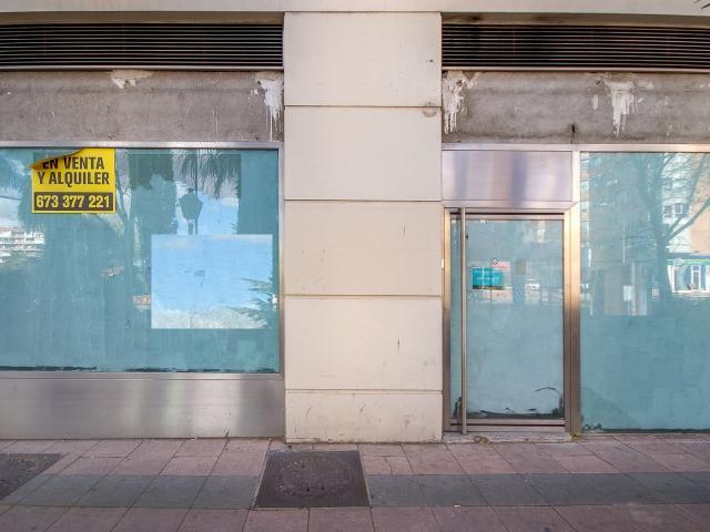 Local en venta en Local en Alcorcón, Madrid, 400.000 €, 237 m2