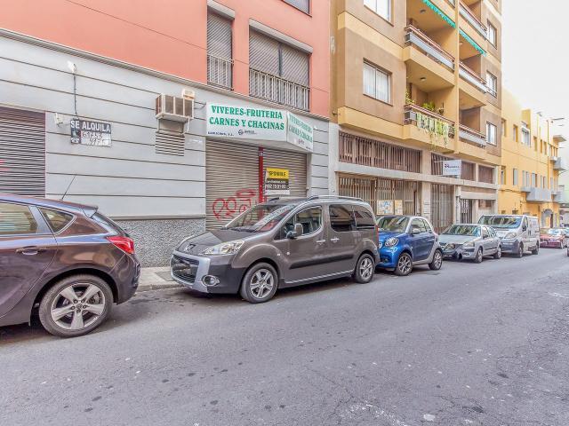 Local en venta en Local en Santa Cruz de Tenerife, Santa Cruz de Tenerife, 96.900 €, 132 m2
