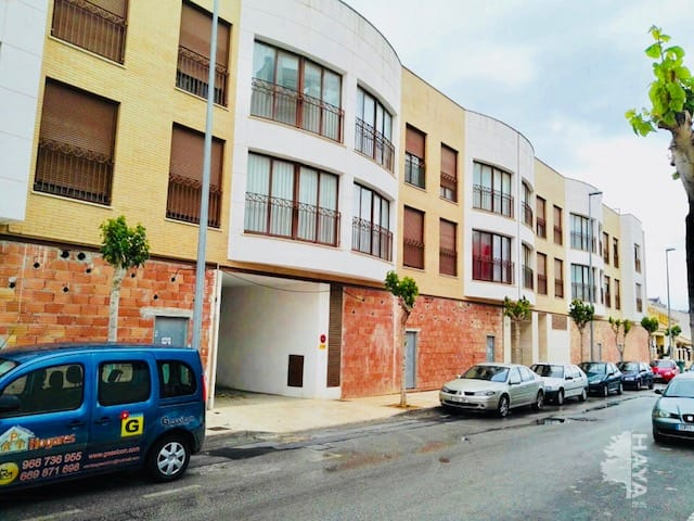 Piso en venta en Piso en Pilar de la Horadada, Alicante, 84.000 €, 3 habitaciones, 1 baño, 92 m2, Garaje