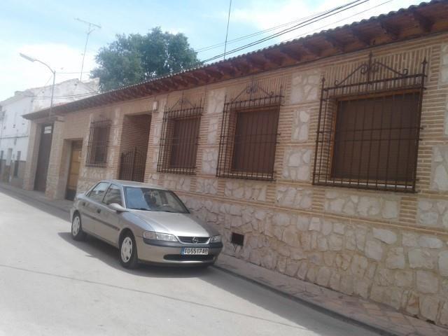 Casa en venta en Casa en Corral de Almaguer, Toledo, 43.900 €, 4 habitaciones, 2 baños, 190 m2