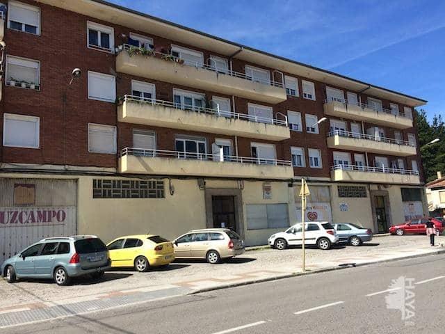 Piso en venta en Barrio Covadonga, Torrelavega, Cantabria, Calle Jose Maria Cabañas, 73.000 €, 3 habitaciones, 1 baño, 96 m2