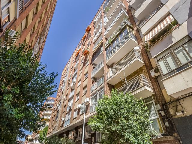 Piso en venta en Puertollano, Ciudad Real, Calle Goya, 39.600 €, 4 habitaciones, 1 baño, 115 m2