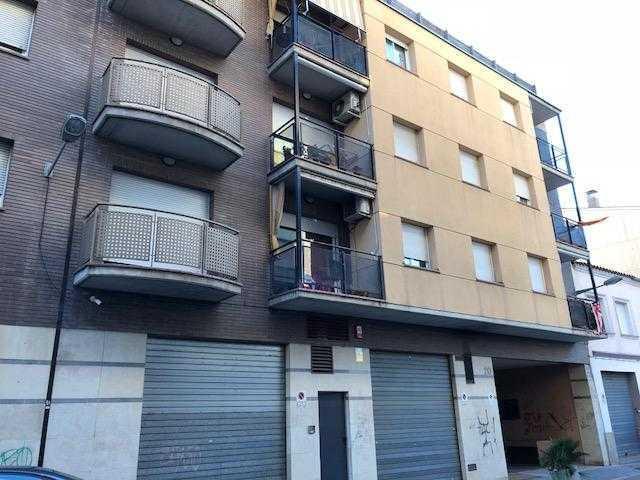 Piso en venta en Salt, Girona, Calle Josep Irla, 107.000 €, 4 habitaciones, 2 baños, 111 m2