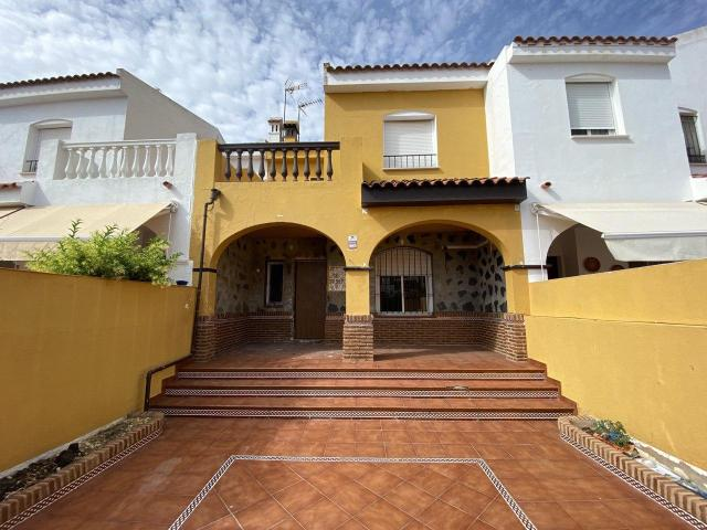 Casa en venta en Urbanizacion Costa Esuri, Ayamonte, Huelva, Calle Huerta Primera, 137.000 €, 3 habitaciones, 2 baños, 124 m2