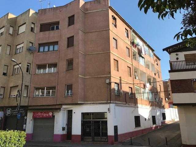 Piso en venta en La Carrasca, Monzón, Huesca, Calle Calvario, 52.000 €, 4 habitaciones, 1 baño, 133 m2
